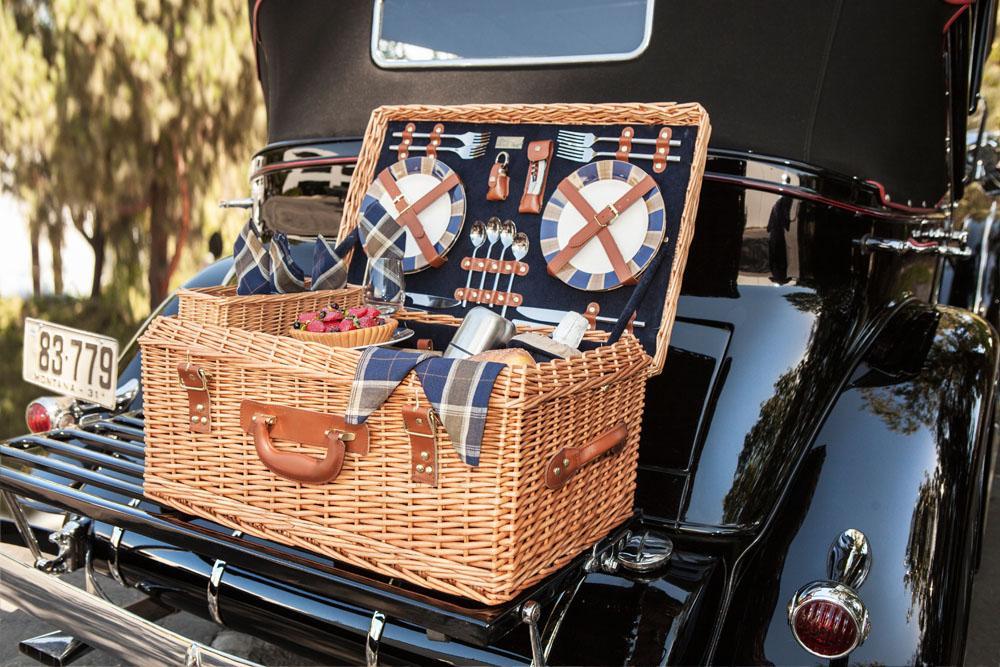 Picnic Time Windsor Picnic Basket Service For 4 Amazon