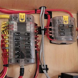 blue sea systems st blade 6 independent circuit fuse block Simple Boat Wiring Marine Fuse Terminal Block