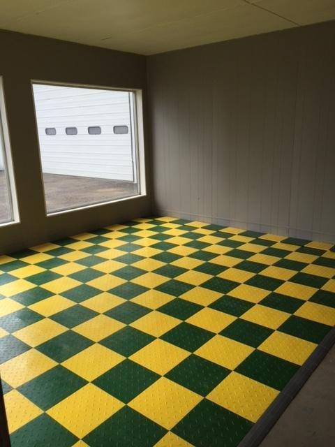Amazoncom Speedway Garage Tile Interlocking Garage Flooring LOCK - Gridlock floor tiles