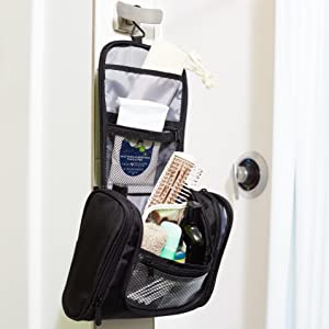 AmazonBasics Hanging Toiletry Kit