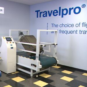 Amazon Com Travelpro Maxlite 4 International Carry On
