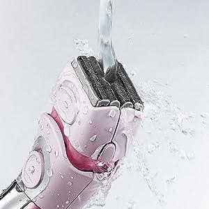 Panasonic ES2216 rinses clean