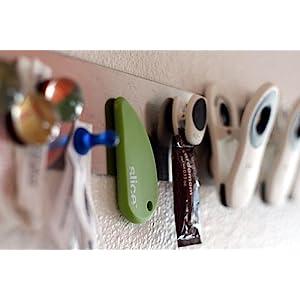 portable cutter, hang on fridge, magnetic