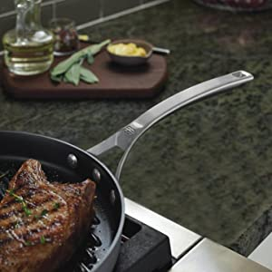 Calphalon Signature Nonstick 12-inch Round Griddle Pan - Aluminum for Even Heating