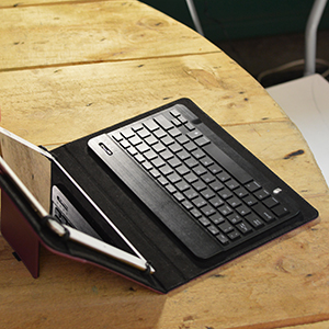 SlimKeys Bluetooth Keyboard Plum Optimax 11 Keyboard Jet Black BoxWave Portable Keyboard with Integrated Commands for Plum Optimax 11