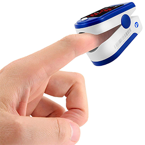 Facelake 400 Pulse Oximeter Blood Oxygen SPO2 Monitor Screen Display Adults Kids Case Batteries