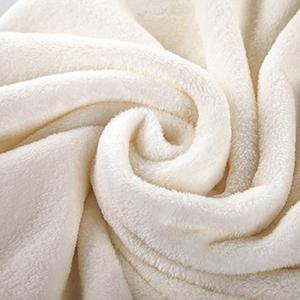 white blanket detail 1