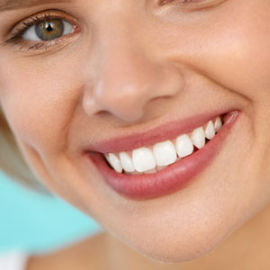 Whish Lip Scrub renews lips with Vitamin E extract, avocado oil for brighter fuller lips naturally