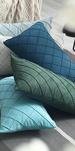 Diamond checker pattern throw pillow covers