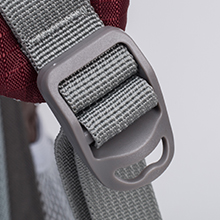 shoulder straps has a D-shape hook, in which small items can be linked