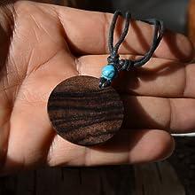 Retro catena in legno.