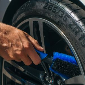 Licargo rim brush cleans your rims gently.
