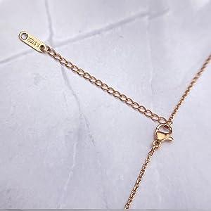 18K pendant necklace