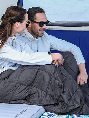 lightweight camping blanket