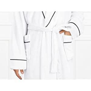 robe with pockets and adjustable waist tie