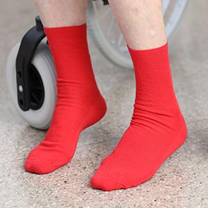Red non-binding socks