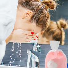 Let's choose the correct facial washing method and say goodbye to the acne and other skin problems