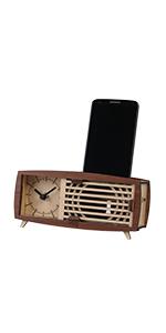 Retro radio shaped clock