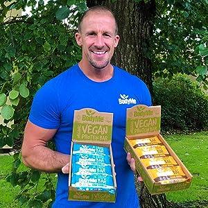BodyMe Barritas Proteinas Veganas Organica | Crudo Cacao Menta | 12 x 60g Barra Proteina Vegana | Sin Gluten | 16g Proteína Completa | 3 Proteina ...