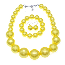 yellow pearl necklace