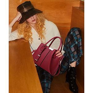 red purses and handbags
