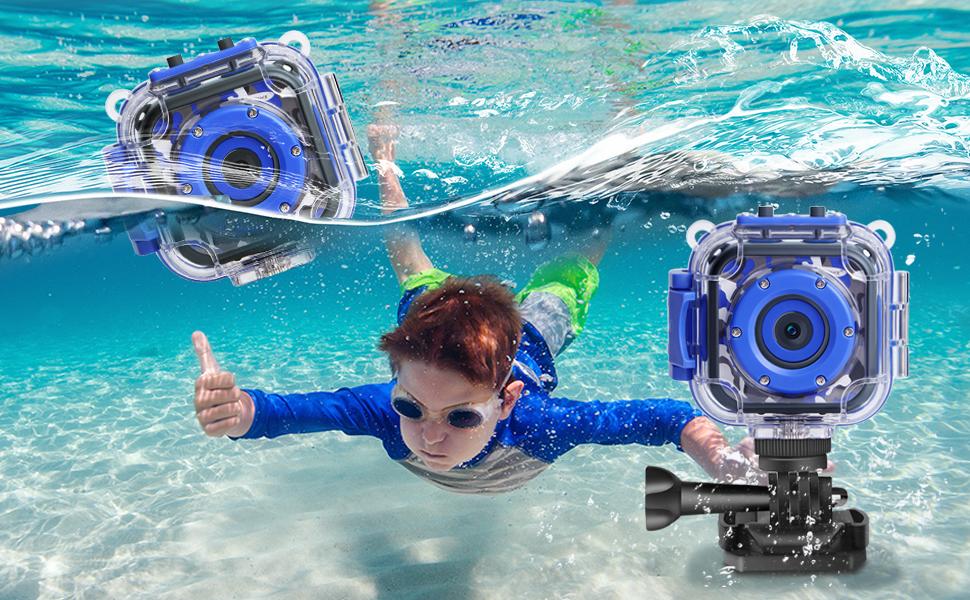 Kids camera underwater