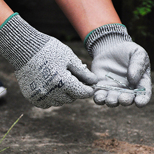 glass anti puncture gloves