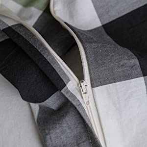 hidden zipper closure