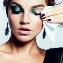 Dross do a great job in cleaning up your pores effectively, especially removing makeup