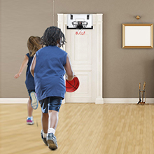 Play basketball game with your friends