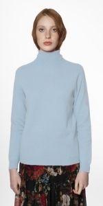 Un maglione perfetto deve avere tre combinazioni essenziali: essere avvolgente, caldo e comodo
