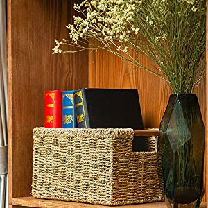 Wicker basket for home decoration
