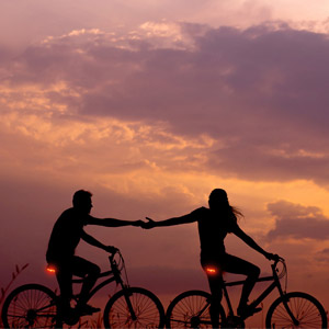 Enjoy Your Leisure Time with Your Lover!
