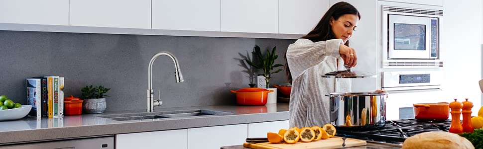 Upgrade your kitchen with Willsland's touchless kitchen faucet.