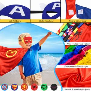 Superhéroe con disfraces