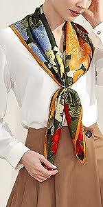 carre soie qualite motif fleur cou sac cheveux printemps hôtesse poigne déco couleur turquoise