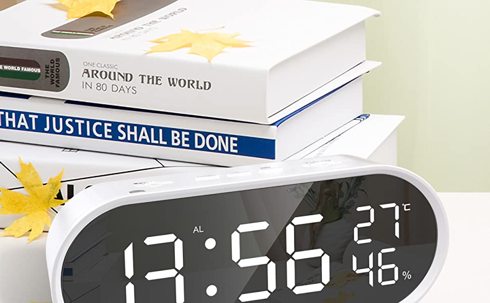 【LED大鏡面設計 led置き時計】目覚まし時計のLED大画面で時間、温度、湿度の表示が遠くから簡単に読み取れます。大音量 目覚まし時計に時間を見ない時、鏡として活躍になり、実用性が高いです。