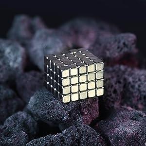 Gadget Strani per lUfficio Magnet Balls Biglie Magnetiche 64 Magneti x 5mm Idea Regalo Sfere Magnetiche Extra Potenti Colorati Palline Calamitate Antistress myHodo Palline Magnetiche Colorate
