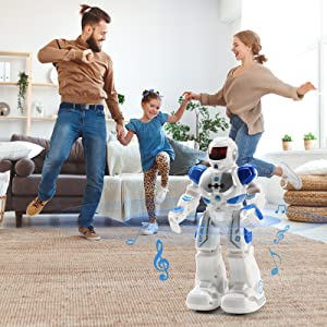 happy family time with intellgent robot
