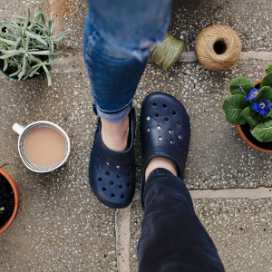 Mens garden clogs lightweight ventilated gardening shoes comfortable slip-on classic durable comfy