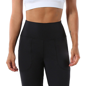 The high rise joggers hug your waist with free and flat feeling