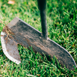 Kwik Edge Tool with dirt