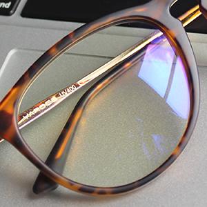 blue light blocking glasses lens