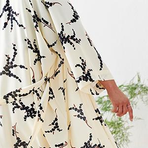 KIM+ONO Women's Crepe Kimono Robe Mio Snow