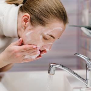 limpiador facial de piritiona de zinc, sin sls, sin sulfatos, sin parabenos, suave para la piel, gel facial