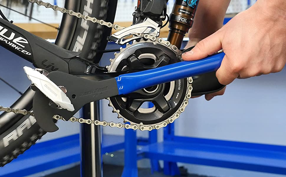 Park Tool PW-4 in-use installing a bicycle pedal onto a crank