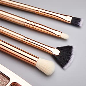 small makeup brushes