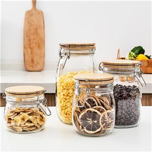 Set of 4 glass jars