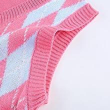 V-neck sleeveless sweater