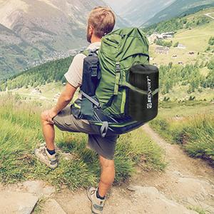 Die Verpackung des Schlafsacks ist sehr leicht und klein und im Freien leicht zu tragen